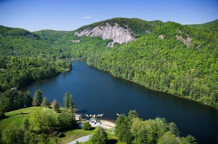 Fairfield es un lago privado dentro de la SV Resort, a pocos minutos de la casa.