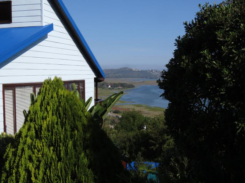 Tucked away in the heart of Knysna with majestic views of the Knysna Heads and the lagoon our self-c
