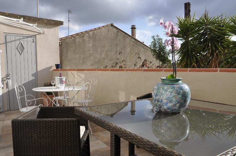 La terrasse plein sud pour le petit déjeuner!!!
