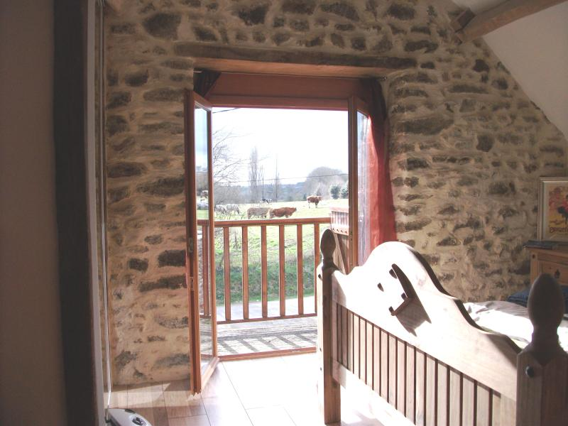 Intimate stone-built stable, suitable for couples, holiday rental in Mayenne