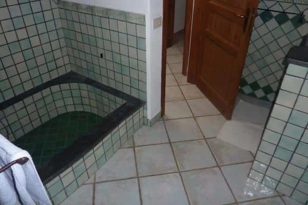 Room main bathroom, shower.