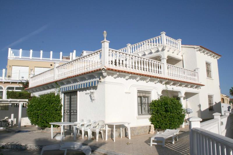flamena beach villa, alquiler vacacional en Playa Flamenca