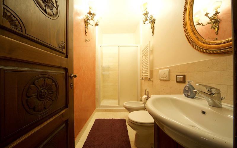 Casa Sinibaldi holiday rental - 2nd bathroom