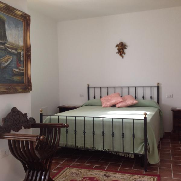 i camera da letto con divano letto +2 bambini