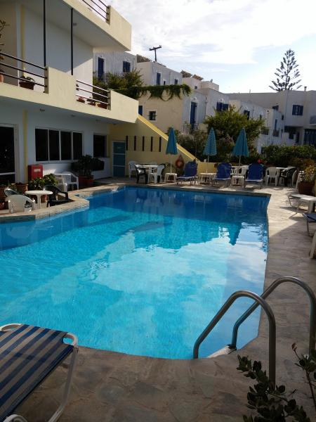 Kasteli hotel, sea view studios and apartments!, vacation rental in Panormos