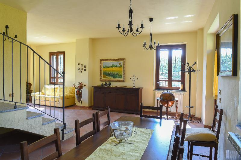 QUIET & COZY COTTAGE IN TICINO PARK  - 30 min Milan - FREE WIFI, vakantiewoning in Inveruno