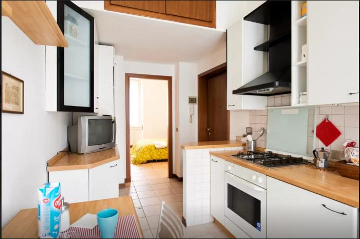 Nice studio in Milan! Fieramilanocity, holiday rental in Corsico