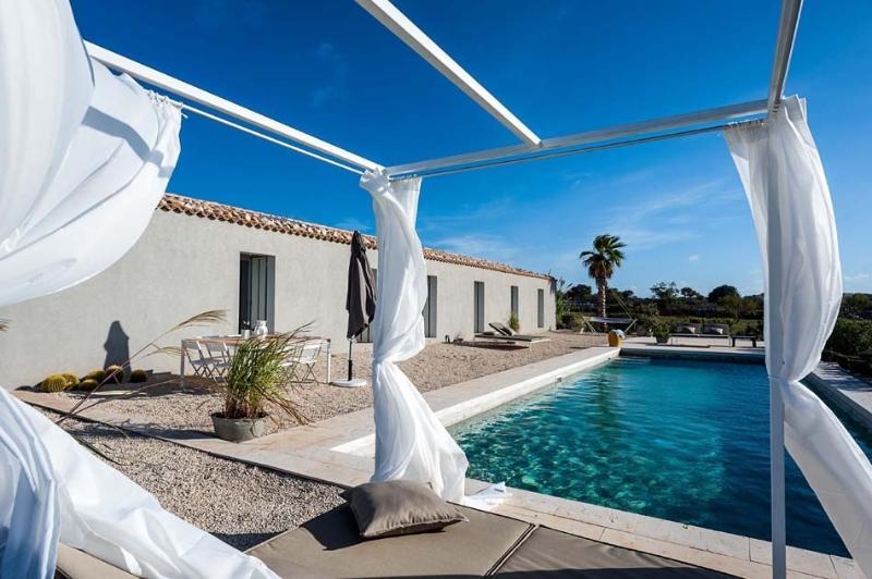 Villa Camerina holiday vacation villa rental italy, sicily, ragusa, pool, wi-fi,, vacation rental in Donnafugata