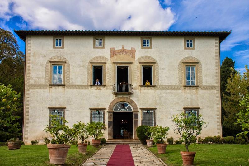Villa Elegante Lucca luxury holiday villa, holiday rental in Lucca