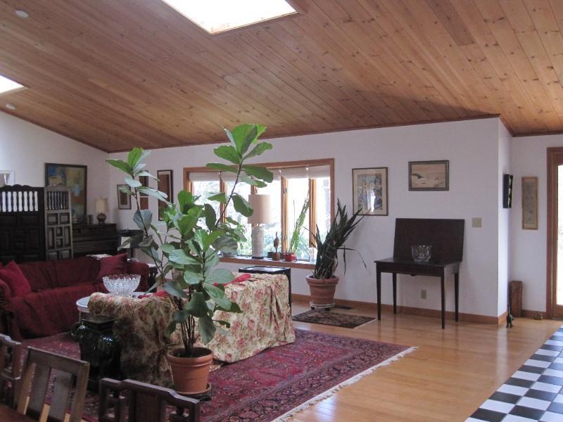 Open floor plan, living/dining room