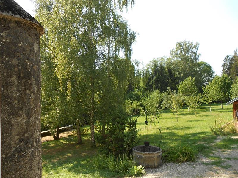 Gîte 3 du Château de Feschaux, location de vacances à Geruge