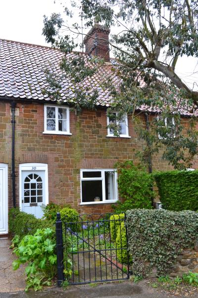 Pollywiggle Cottage, holiday rental in Heacham