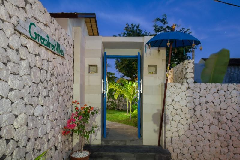 The Entire Home  your dream vacation awaits you, holiday rental in Jimbaran