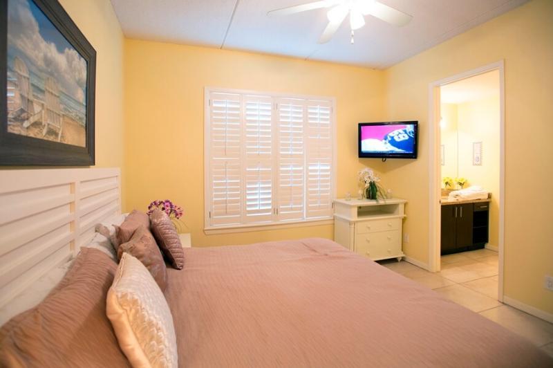 Las Marinas 301 Master Bedroom
