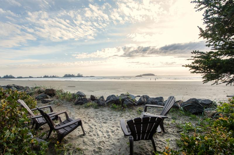 Chesterman Beach 50 feet from the suite, private beachfront seating area