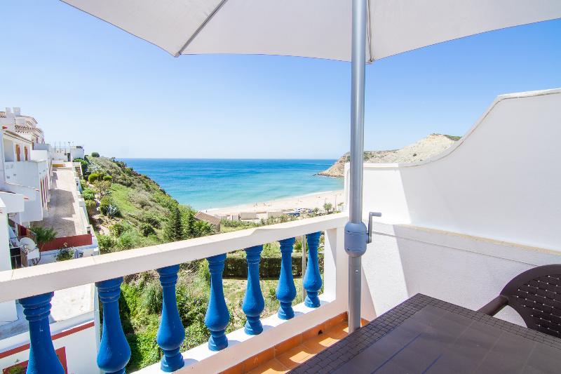 Dappan Blue Apartment, Burgau, Algarve, holiday rental in Burgau