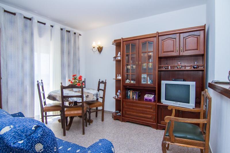 Dappan White Apartment, Burgau, Algarve, holiday rental in Burgau
