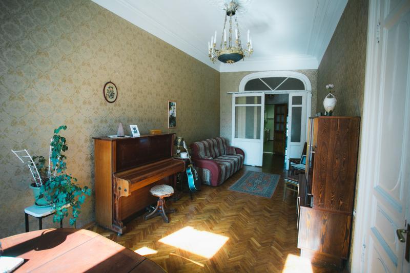 Living room Bedroom#1
