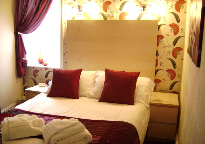 The Strathdon B&B - Standard Double Room 3, holiday rental in Blackpool