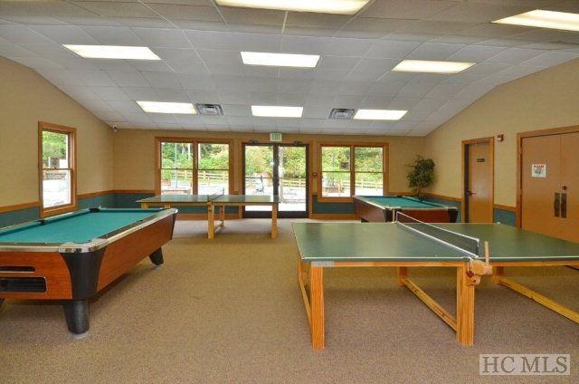 sala de juegos en el Sapphire Valley Resort.