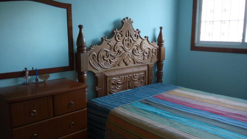 cama de casal no quato 2