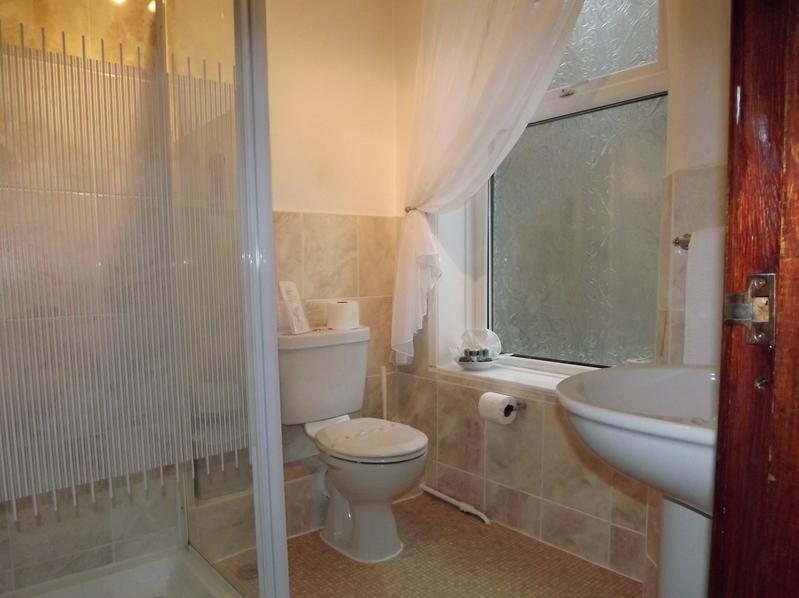 The Strathdon B&B - Standard Double Room 2, holiday rental in Blackpool