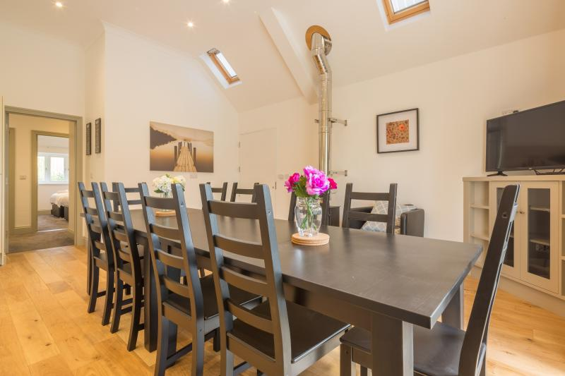 A delightful chalet style property for up to 12. Close to the city centre and rail station.