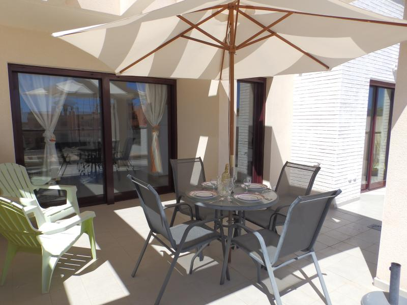 MH25- 2 Bed Apartment Mojon Hills, holiday rental in Isla Plana