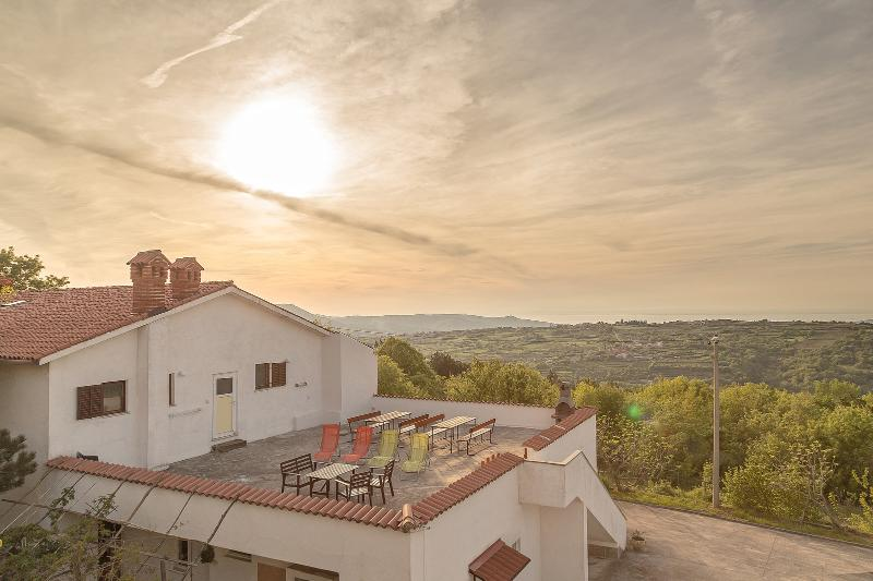 Rooms&Apartments Slovenian Istria, holiday rental in Smarje