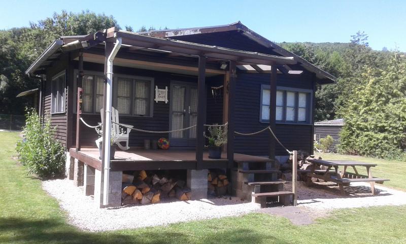 Chalet de pêche et nature MaBa, vacation rental in Bourseigne-Vieille