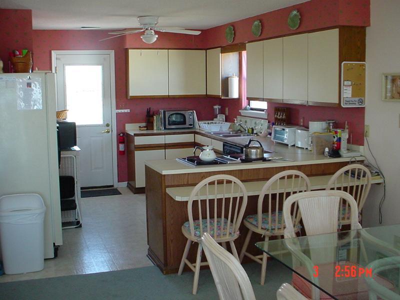 Kitchen w/Jenn Air stove