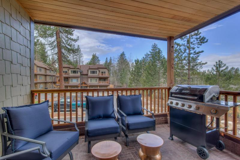 Tahoe Vista Woods - Patio et BBQ Grill Seating