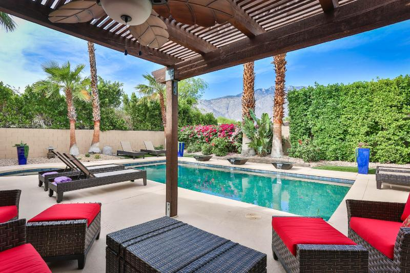 Perfect outdoor pool living with perfect mountain views. Quiet, private and SO comfortable.