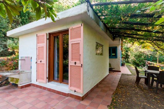 Casetta di campagna, a pochi minuti dal mare, casa vacanza a Finale Ligure