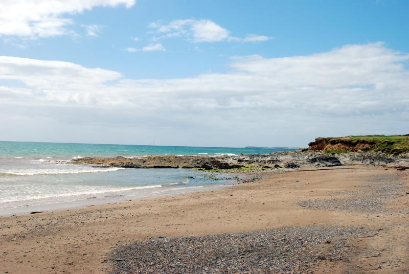 Cozy Beach Apartment with views of the Sea!, holiday rental in Hook Head