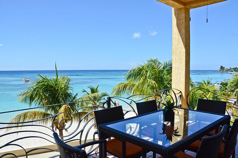 Varadero Beachfront Condo, casa vacanza a Bay Islands