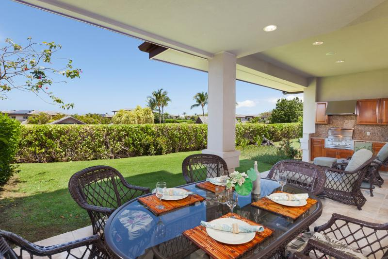 Enjoy meals and lounging on the lanai.