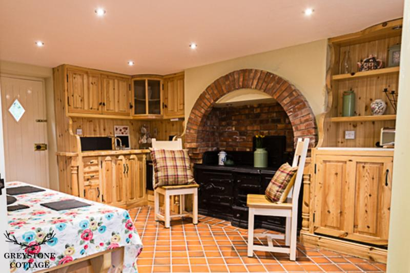 Belfast Greystone Cottage 4 Star Traditional Cottage Holiday Home in Belfast, vacation rental in Belfast