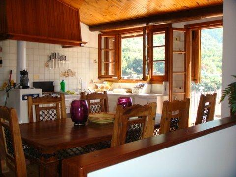 Medieval Town House,10 minutes from the sea., holiday rental in Andagna