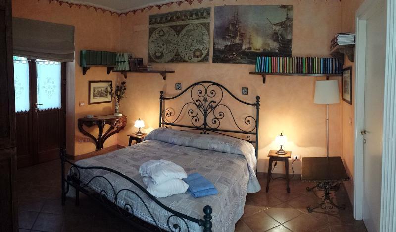 Deliziosa romantica camera, casa vacanza a Asciano