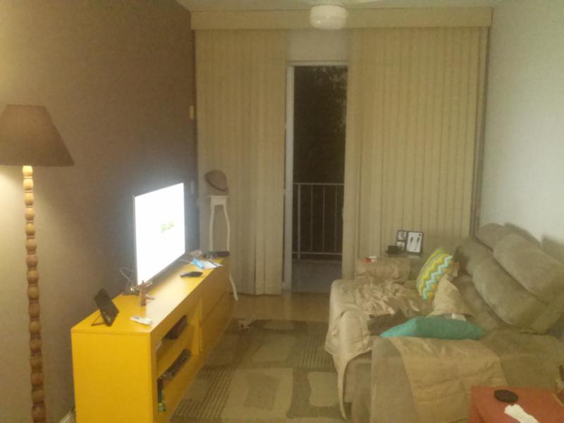 Sala 2 ambientes , sofa reclinavel, tv lcd 42 c tv a cabo netfilx e wifi, ventilador de teto varanda