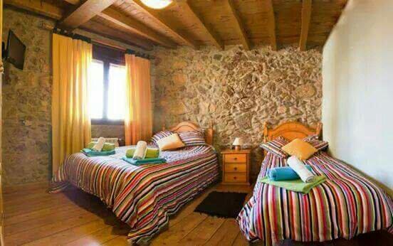 El castaño Centenario Valle del Jerte, vacation rental in Hervas