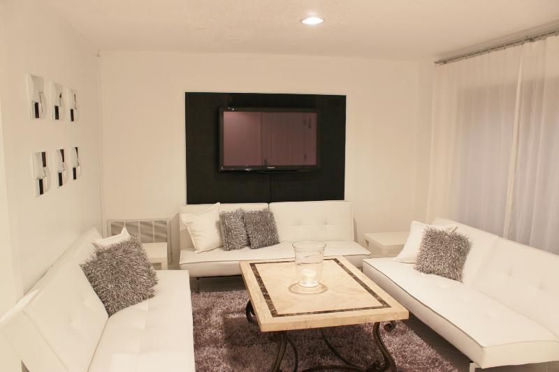 Livingroom with Plasma TV