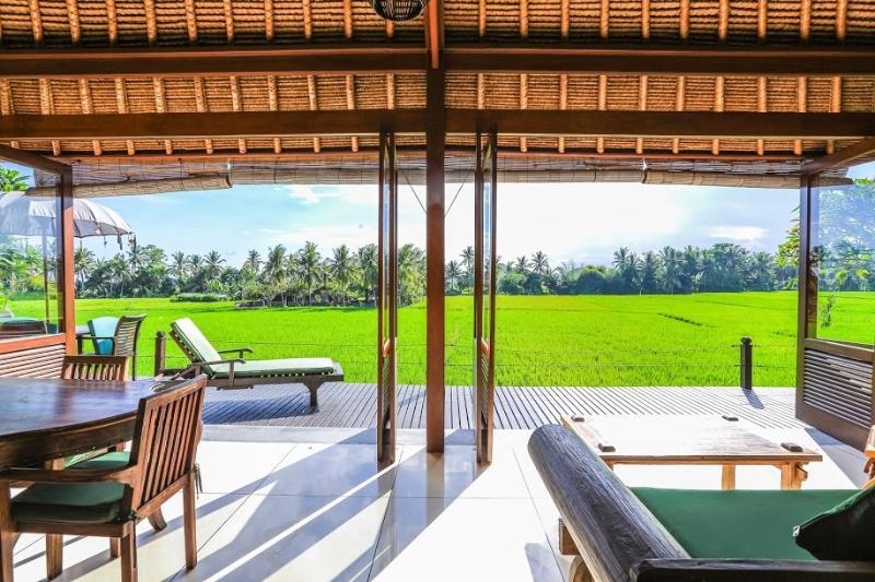 Million $ Ricefield Views 2BDR Villa Sungai in Ubud w Infinity Pool, holiday rental in Lodtunduh