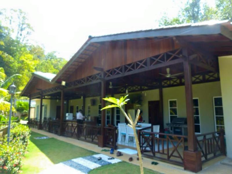 Dmass Villa - Relax, Rendezvous and Rejuvenate, holiday rental in Selangor