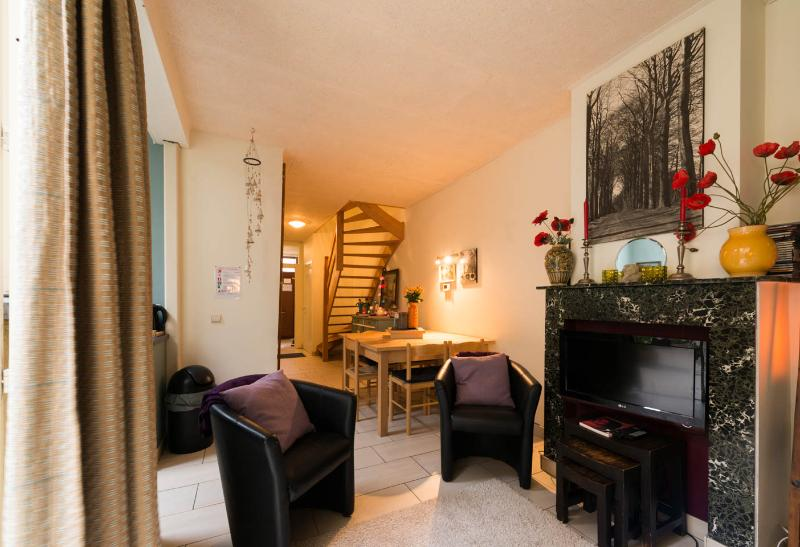 Feel at home in Bruges lovely house with a sunny terrace and a private garage after the corner
