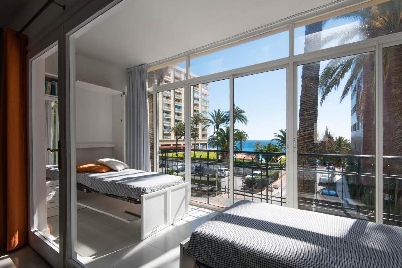 2 camas-mueble en la terraza.
