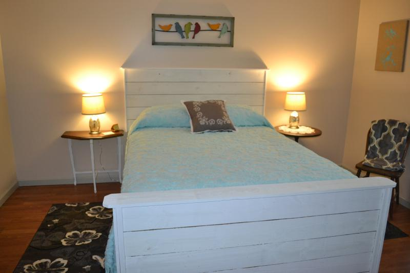 Second guest room with Serta