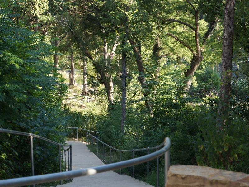 3rd Night Free in 2020! Stone's Throw to Gruene Hall!, holiday rental in New Braunfels