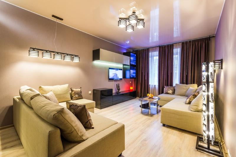 Modern one bedroom apartment on Gagarin square, vacation rental in Semyonovskoye